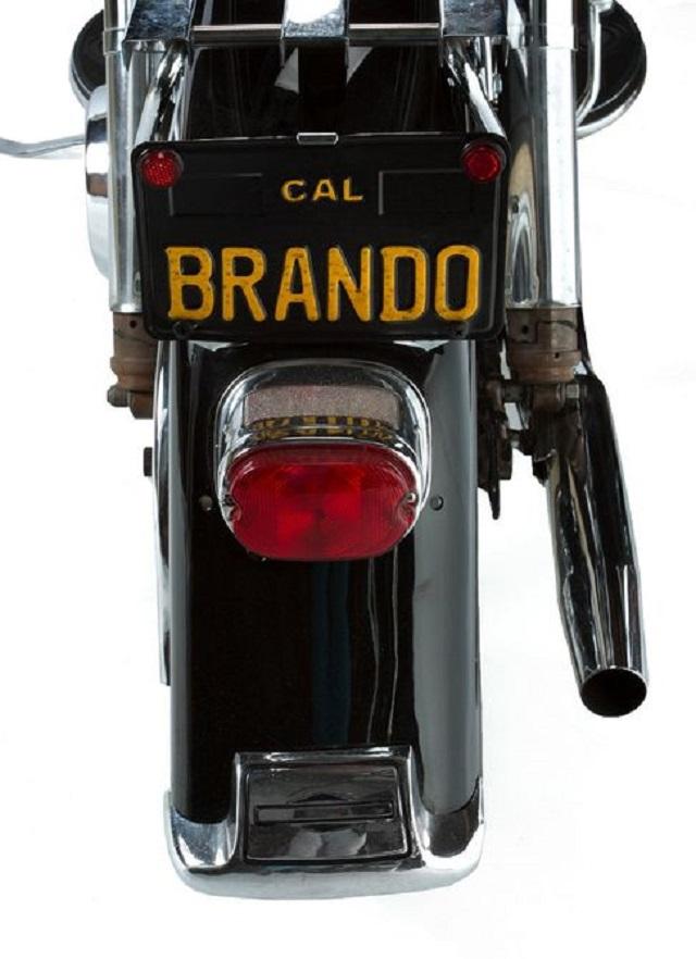 marlon-brando-harley-davidson-electra-glide-1