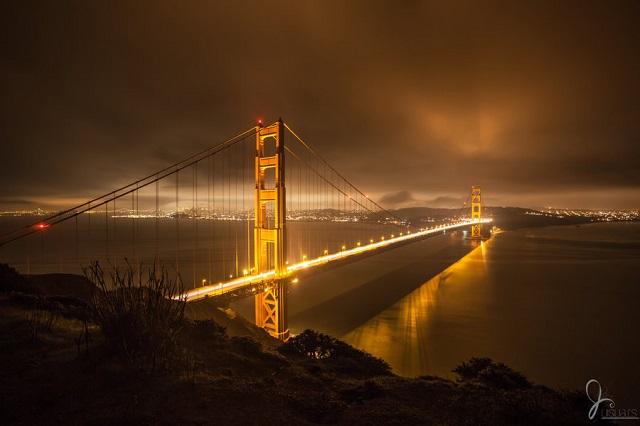 golden-gate-bridge-at-night-photos-29