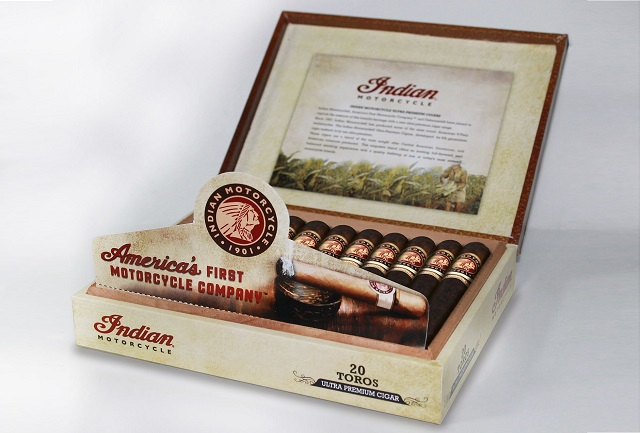 Indian-Motorcycle-Cigars-2015-2-open-box-feature