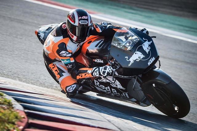 KTM-RC16-MotoGP-race-bike-philip-platzer-03