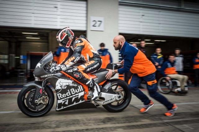 KTM-RC16-MotoGP-race-bike-philip-platzer-05